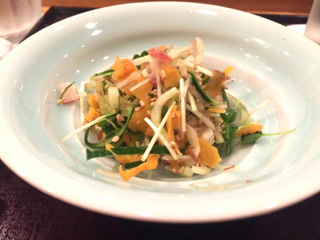 カリカリ梅と沢庵のサラダ