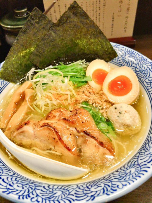 1位 上品にして濃厚、クセになる旨い鶏そば『征麺家 かぐら屋』東京