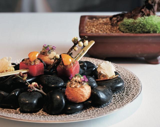 ナパワインと北陸食文化の革新料理『AZUR et MASA UEKI』東京