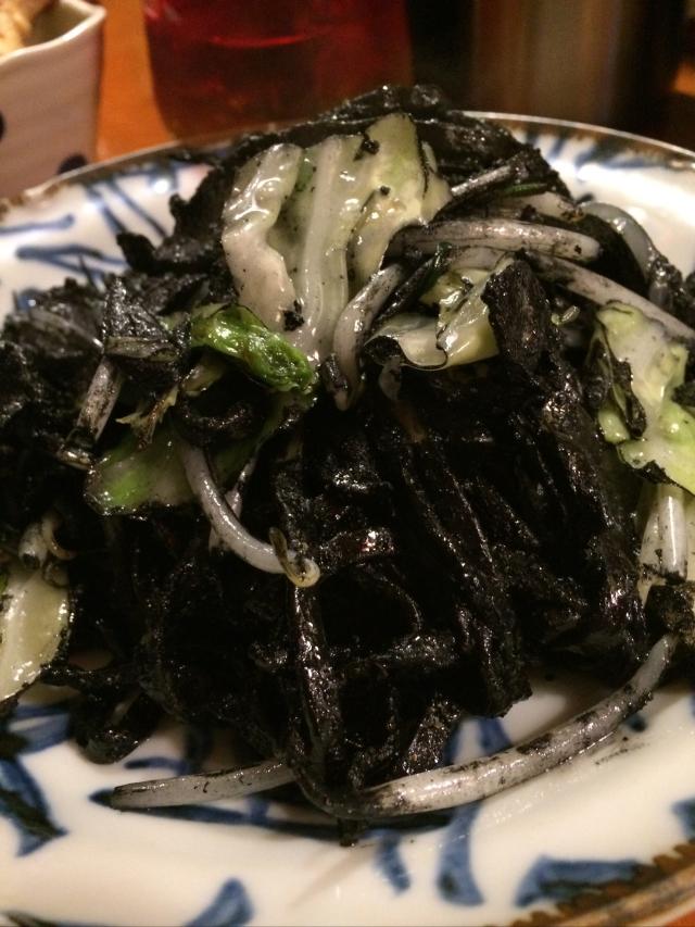 イカスミ焼きそばが癖になる沖縄料理『海森一号店』東京