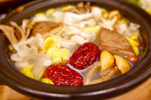 鶏ベースのスープが旨い『Lotus Pot(ロータスポット)』大阪