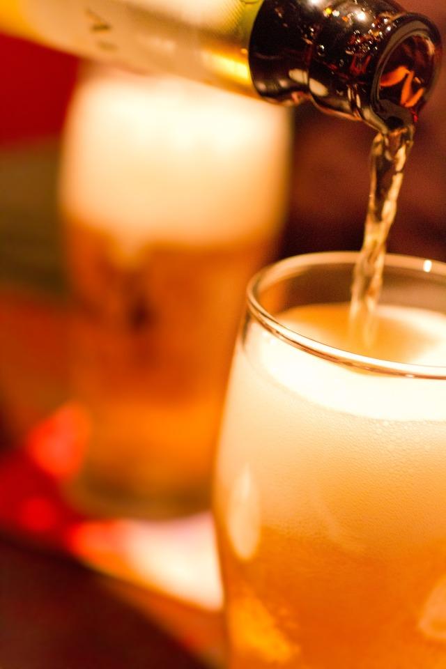美味しいコンビニの冷凍食品で、激安居酒屋はさらに厳しくなる