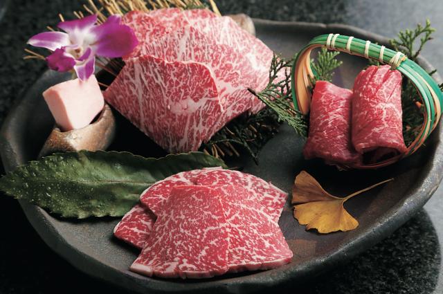 艶なる格別個室で幻の尾崎牛尽くしの技ありな、おもてなしを【肉割烹 吟】