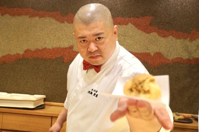 圧倒的なパフォーマンス力と極上のネタ、新時代の寿司屋『照寿司』
