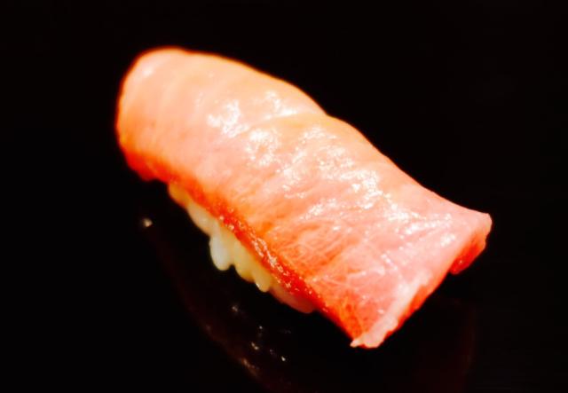 ウニの食べ比べなど!オリジナリティー溢れるオシャレ寿司屋【鮨 伊佐野】