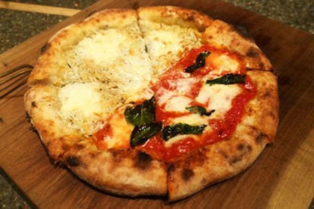 哲学の道で窯焼きピザを。【monk】