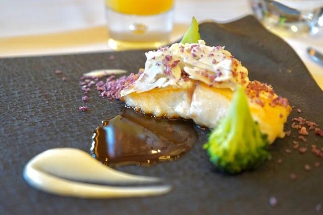 メーンとデザートでも感じられる魚の美味しさ。そして、お洒落さ!