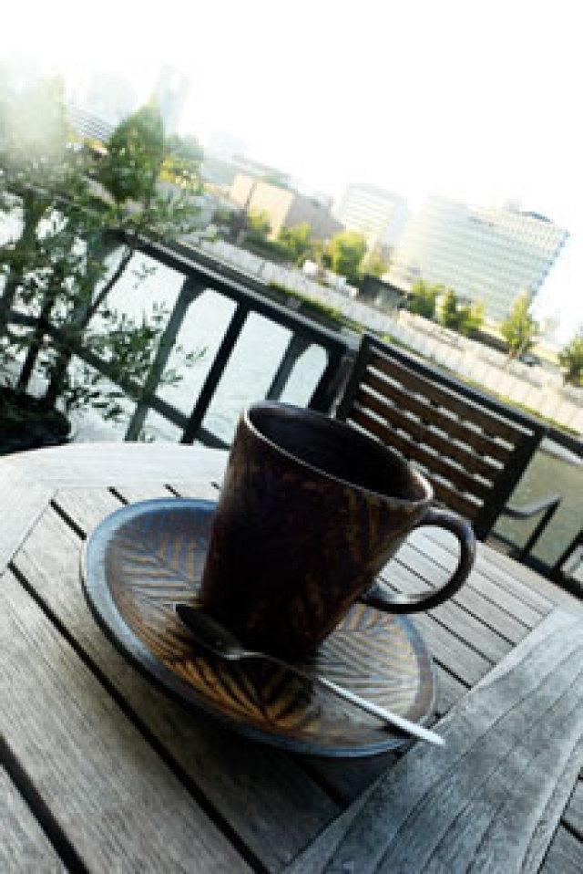 【MOTOCOFFEE】魅力的な世界を望めるカフェ