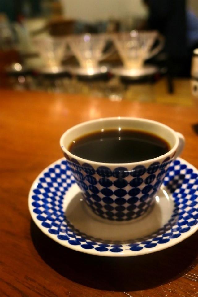 【ELK KAFFE】店主の人柄と深煎りネルドリップで淹れるコーヒーが魅力