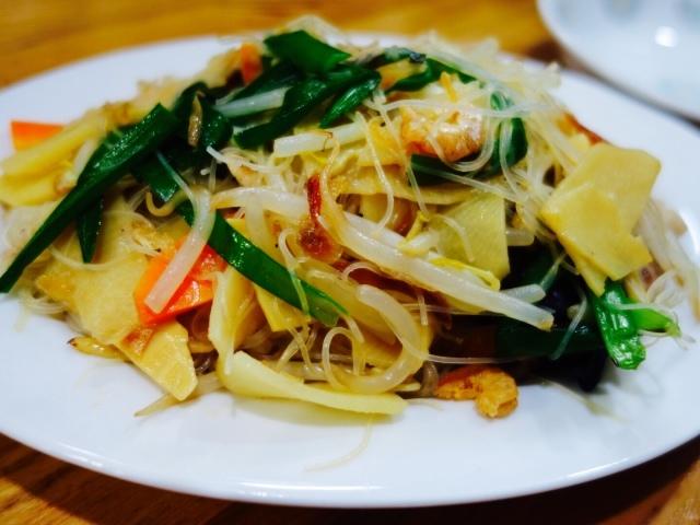 【光春(コウシュン)】池の上の駅前の線路沿い小道にある深夜までやってる台湾料理屋