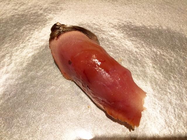 カツオの燻熟成鮨